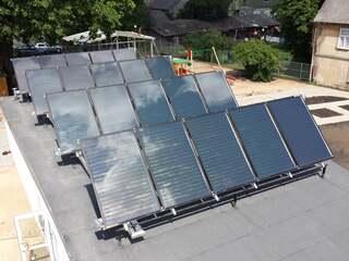 Saules kolektoru sistēma karstā ūdens nodrošināšanai PII Raudas ielā, Tukumā